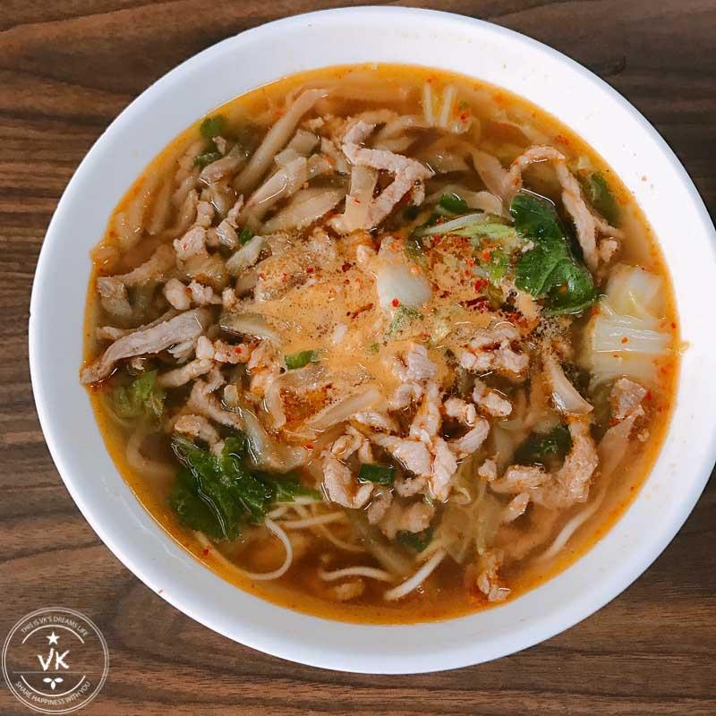 [台南好吃麵攤]忠味麵館-辣味榨菜肉絲麵